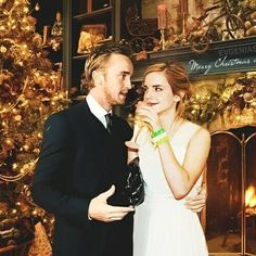Find the hottest dramione stories you'll love. Read hot and popular stories about dramione on Wattpad. Draco Malfoy, Harry Potter Hermione, Harry James Potter, Hermione Granger, La Saga Harry Potter, Harry Potter Facts, Ron Weasley, Albus Dumbledore, Severus Snape