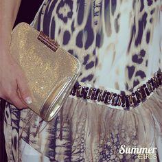 Detalhe da clutch Morena Rosa do look de hoje! #morenarosa #lojaelfos #details #summer15 #clutch