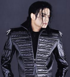 Michael Jackson the King of Pop ❤ Michael Jackson Dangerous, Michael Jackson Smile, Jackson Life, Mike Jackson, Mj Dangerous, King Of Music, The Jacksons, Most Beautiful Man, Photoshoot