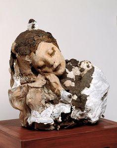 """Première ébauche.""""Le Sommeil""""   Musée Rodin. Cliquer 2 fois pour des explications passionnantes sur la façon de travailler de Rodin."""