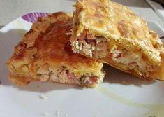 Kοτοπιτα Υλικά  Στήθος κοτόπουλο (ανάλογα με το ταψάκι υπολογίζω την ποσότητα που θα χρειαστώ) ,  πιπεριές κόκκινη και πορτοκαλί  3 με 4 κρεμμυ... Cookbook Recipes, Cooking Recipes, Apple Pie, Lasagna, Tart, Sandwiches, Oven, Food And Drink, Ethnic Recipes