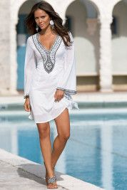 Kaftan dress, my all time favorite. Kaftan, Dress Outfits, Cute Outfits, Casual Chique, Bcbg, Summer Outfits, Summer Dresses, Beach Dresses, Look Chic