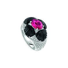 """Bague """"Adrienne"""" Or blanc, Rubellite, Diamants, Onyx Crédit Lalique Joaillerie"""