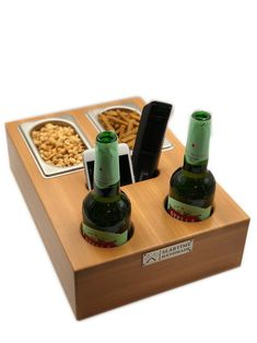 Este artículo no está disponible Bottle Box, Wine Bottle Holders, Beer Bottle, Gifts For Beer Lovers, Beer Gifts, Diy Snacks, Snack Box, Homemade Gifts, Wooden Boxes