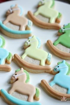 How to Thaw Frozen Undecorated Cut-Out Cookies Horse Cookies, Elephant Cookies, Baby Cookies, Baby Shower Cookies, Iced Cookies, Cut Out Cookies, Cute Cookies, Royal Icing Cookies, How To Make Cookies