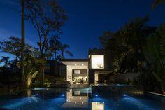 Galería de Cuatro Casas en Baleia / Studio Arthur Casas - 7