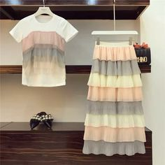 Cute Skirt Outfits, Classy Outfits, Pretty Outfits, Pretty Dresses, Stylish Outfits, Beautiful Outfits, Kpop Fashion Outfits, Girls Fashion Clothes, Clothes For Women