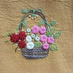 #embroidery #embroidered #needles #needlework #handembroidery #handmade #프랑스자수 #입체자수 #꽃자수 #청주프랑스자수 #원데이클래스 #프랑스자수수업 #프랑스자수배우기