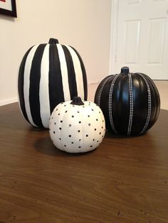 DIY black and white pumpkins - adorable!!!