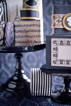 It's All in the Presentation  Showcase gorgeously wrapped gifts in a manner befitting their artful execution. Arrange them on a tray painted with strips of delicate lace, display them on cake platters of varying heights, or place them as party favors on the edges of eclectic dinner plates.
