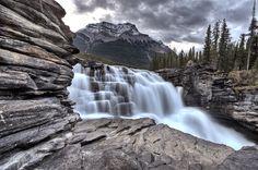 Athabasca Waterfall Alberta Canadà