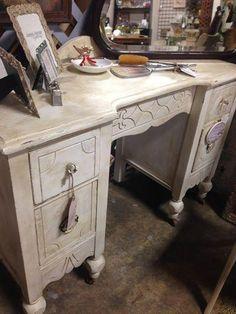 @ Brass Bear 2652 Valleydale Rd. Birmingham (Hoover) AL 35244 -- 205-566-0601 Vendor Jag Aisle F $155 --Antique Vanity