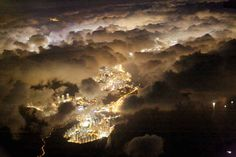 http://cheapholidayticket.com Hong Kong at night | 39 Truly Spectacular Views Out Airplane Windows