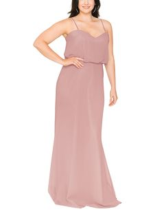 Whether you're looking for a long, or above-the-knee silhouette, or deciding between embellished and minimalist, plus-size bridesmaid dresses are more stylish than ever Coral Bridesmaid Dresses, Bridesmaid Dresses Plus Size, Designer Bridesmaid Dresses, Coral Dress, Elegant Homecoming Dresses, Princess Prom Dresses, Dresses Uk, Spaghetti Straps, Neckline