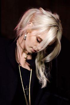 Abbey Lee Kershaw bleached blonde platinum hair