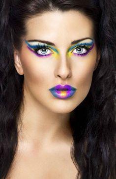 Maquiagem multicolorida