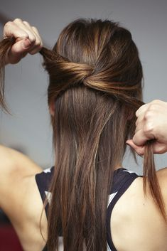 3 easy knotted hairstyles for an effortless fall look