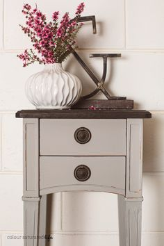 Colour Saturated Life | Bedside Tables Painted with Miss Mustard Seed Milk Paint in Schloss Milk Paint Furniture, Refurbished Furniture, Repurposed Furniture, Furniture Projects, Furniture Makeover, Cool Furniture, Painted Furniture, Furniture Design, Annie Sloan