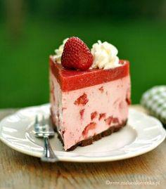 Sernik na zimno z truskawkami Food Cakes, Ale, Cake Recipes, Cheesecake, Cooking Recipes, Cakes, Recipes For Cakes, Cheese Cakes, Cheesecakes