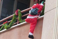 Corner Christmas Tree, Christmas Yard Art, Christmas Holidays, Merry Christmas, Xmas, Candy Christmas Decorations, Christmas Candy, Flower Decorations, Dried Flowers