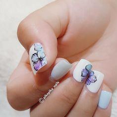 i keep drawing n drawing  #셀프네일 #cute #nailartjunkie #fashion #art #watercolor #beauty #ネイルサロン #watercolornails #naildesign #nailsalon #nail #selfnail #네일 #design #polish #wedding #watercolornail #ネイルアート #pikapika_nails #ネイル #nailart #nailswag #수채화네일 #젤네일 #gelnail #네일아트 #nailpolish #젤아트 #watercolornailart