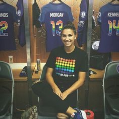 Girls Soccer Team, Female Football Player, Usa Soccer Team, Team Usa, Cute Sweatshirts For Girls, Orlando Pride, Alex Morgan Soccer, Soccer Workouts, Soccer Outfits