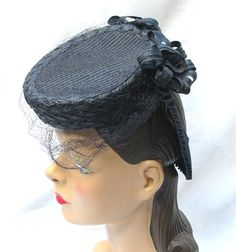 1940's Vintage Tilt Hat with Ruffled Back Loop --- very unusual hat!