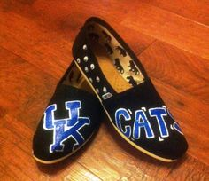 University of Kentucky handpainted TOMS