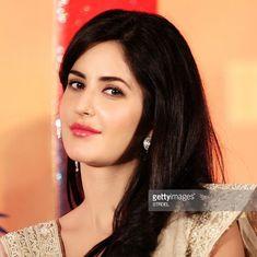 Katrina Kaif Hot Pics, Katrina Kaif Photo, Katrina Kaif Wallpapers, Glamour Makeup, Shruti Hassan, Leighton Meester, Beautiful Indian Actress, Indian Actresses, Night Gown