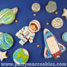 Hooray! One of my customers asked for Rocket Ship Cookies!!! I made lots of extras for my family to nom on, and so the photos look exciting... I'm almost more addicted to instagramming my photos than to cookieing in the first place lol! 🚀🌙💥🌏👨🏽🚀👩🏼🚀👽🤖 #toomanycookies #GottaMakeThemAll #rocketshipcookies #aliencookies #cookies #customcookies #royalicing #icedcookies #decoratedcookies #sugarcookies #decoratedsugarcookies #cookieartist #cookiesofinstagram #cookiestagram #instasweet…