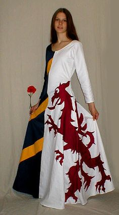 Heraldry Dress... might have to give this a try with my own heraldry.