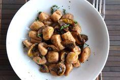 MIEL & RICOTTA: Gnocchi di castagne con funghi