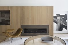 Brownstone House - Picture gallery Wooden Panelling, White Paneling, Fireplace Wall, Fireplace Surrounds, Minimal Apartment, Floor Slab, Dinner Room, Home Studio, Home Projects
