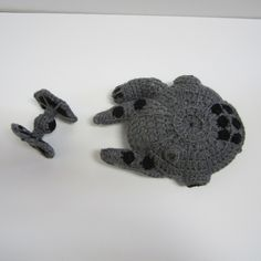 Star Wars Millennium Falcon & Tie Fighter: free crochet pattern