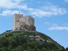 Castillo de Curiel (Valladolid) Medieval Times, Spain And Portugal, Armors, Kale, Monument Valley, Mount Rushmore, Mountains, Nature, Travel