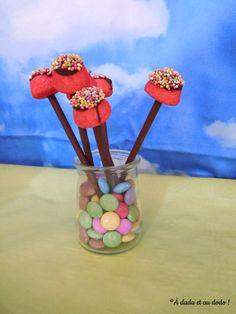 Présentation de la table d'anniversaire sur le thème de l'arc-en-ciel. Desserts, Projects, Recipe, Kitchens, Tailgate Desserts, Deserts, Postres, Dessert, Plated Desserts