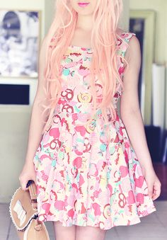 The Pineneedle Collective: DIY Candy Cupcake Dress