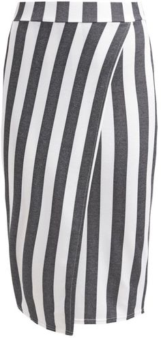 Pin for Later: Bei diesem Trend ist jeder schief gewickelt und das ist auch gut so Miss Selfridge Wickelrock mit Streifen (36 €)