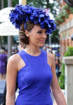 A cobalt blue dream at Royal Ascot Royal Ascot Hats, Races Fashion, Fashion Hats, Hat Day, Stylish Hats, Fancy Hats, Kentucky Derby Hats, Wearing A Hat, Glamour