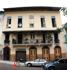 Luna's Castle Hostel is located in Casco Viejo, Panama. Un bien viaje!