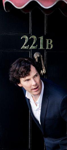 Benedict Cumberbatch filming Sherlock season 3