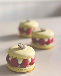 . Continental patisserie. Elegant wedding cake designer.  Motto: Be nice to people. Arch 3,Stepney Bank,Ouseburn,Newcastle  NE1 2NP