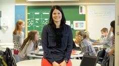 Ylen Koulukorjaamo seuraa kevään ajan, kuinka luokanopettaja Liisa Pekkanen ottaa opetukseensa kollegansa Markus Humalojan kehittämiä yksilöllisen oppimisen menetelmiä. Pekkanen on aloittanut hiljattain vantaalaisen Veromäen koulun neljännen luokan opettajana. Tietotekniikan monipuolisella hyödyntämisellä on tärkeä rooli opetuksessa.