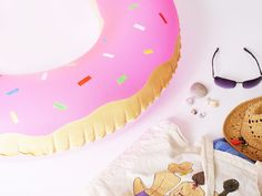 20 Different Types of Doughnuts You Need to Know and Taste - donut tattoos Diy Mask, Diy Face Mask, Diy Donuts, Cute Diys, Diy And Crafts, Homemade, Crafty, Trends, Beach