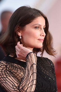 Laetitia Casta en boucles d'oreilles en diamants Chaumet