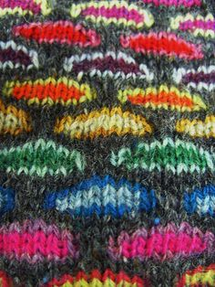 Slip Stitch Knitting Bag, colorful http://www.ravelry.com/patterns/library/slip-stitch-knitting-bag