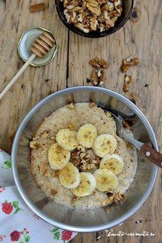 Terci de ovăz (porridge) cu banane şi nuci - Bucate Aromate Raw Vegan Recipes, Vegetarian Recipes, Healthy Recipes, Vegan Food, Balanced Meals, Healthy Meal Prep, Healthy Food, Baby Food Recipes, Meal Planning