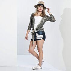 Shorts jeans com aplicação de crochê branco Camila