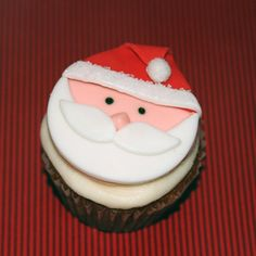 Fondant cupcake toppers Santa by HarrietsHouseofCakes on Etsy
