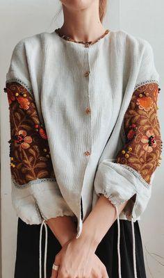 Fashion Sewing, Diy Fashion, Womens Fashion, Abaya Fashion, Fashion Dresses, Pakistani Fashion Casual, Only Shirt, Iranian Women Fashion, Creation Couture